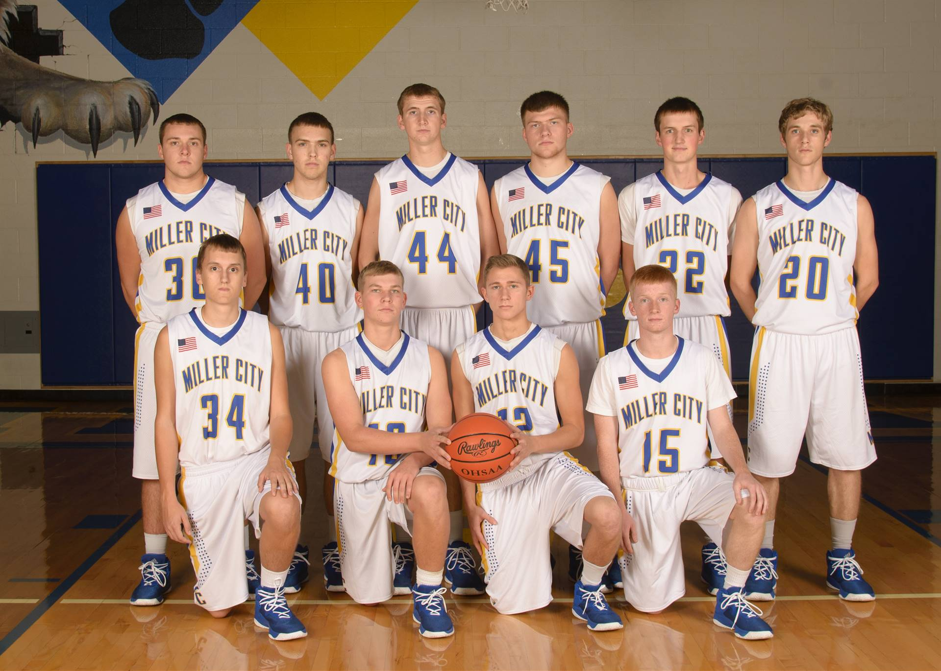Varsity Boys Basketball Team Photo